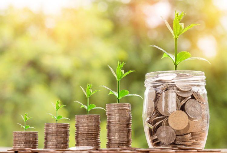 Gromadzenie oszczędności w różnym wieku