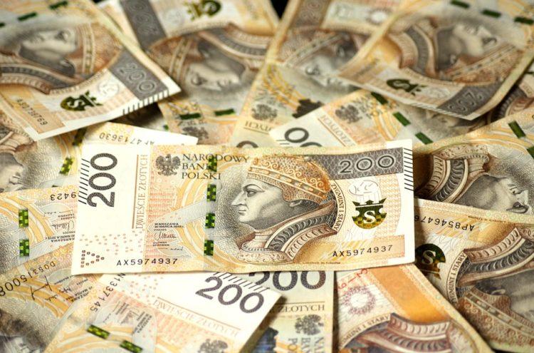 Zaufanie Polaków do instytucji finansowych
